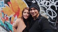 Anji dan istrinya, Wina [foto: instagram/anji.manji]