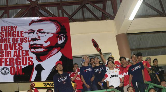 Suasana kemeriahan acara nonton bareng antara Manchester United meelawan Arsenal di Gelora Sunter, Jakarta, Minggu (28/2/2016). (Bola.com/Vitalis Yogi Trisna)