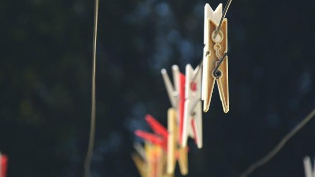Ilustrasi tali dan jepitan jemuran. (Sumber Max Pixel via Creative Commons)
