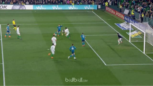 Berita video gol-gol yang tercipta pada laga Real Betis vs Real Madrid di La Liga 2017-2018. This video presented by BallBall.