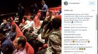 Presiden Jokowi menonton film di Bogor ( akun instagram ernestprakasa)