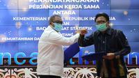 Sekretaris Jenderal Kemensos Hartono Laras melakukan penandatanganan PKS dengan Sestama BPS Margo Yuwono di Kantor BPS, Jakarta (11/11).