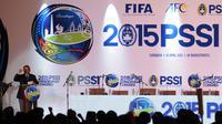 Ketua Umum KONI Tono Tono Suratman memberi sambutan di Kongres Luar Biasa PSSI di Hotel JW Marriot, Surabaya, Jawa Timur.