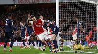 The Gunners tampil mendominasi dalam laga tersebut dengan penguasaan bola mencapai 55 persen. Dari segi peluang, Arsenal melepaskan 22 tembakan dengan 9 mengarah ke gawang. (AP/Ian Walton)