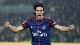 1. Edinson Cavani (Paris Saint-Germain) - 20 Gol (2 Penalti). (AP/David Vincent)