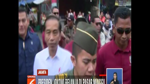 Jokowi membeli aneka kebutuhan dapur seperti 1 kilogram ikan gabus, dua ekor ayam, dan 4 kilogram buah kendondong.