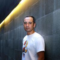 Ario Bayu menjadi salah satu wajah baru di film 'Ada Apa Dengan Cinta 2'. Kehadiran sekuel AADC menjadi film yang ditunggu-tunggu remaja era awal 2000-an. (Galih W. Satria/Bintang.com)