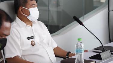 Bupati Garut Rudy Gunawan menyatakan, sebagai bentuk kompensasi bagi warga selama PPKM Darurat, Pemda Garut segera memberikan bantuan sosial tunai Rp 200-250 ribu per keluarga.