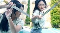 Krisdayanti saat Belajar Beladiri Wushu. (Instagram/krisdayantilemos)