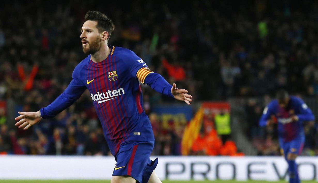 Striker Barcelona, Lionel Messi, melakukan selebrasi usai mencetak gol ke gawang Leganes pada laga La Liga di Stadion Camp Nou, Sabtu (7/4/2018). Barcelona menang 3-1 atas Leganes. (AP/Manu Fernandez)