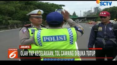 Sementara itu, proses olah TKP kecelakaan di Tol Cawang menggunakan alat pengambil gambar tiga dimensi.