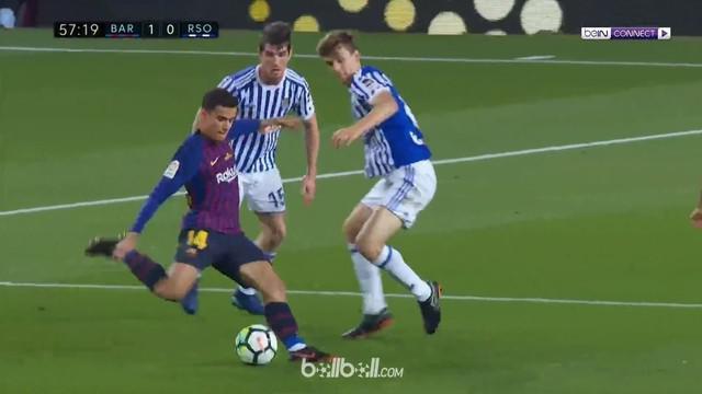 Berita video momen gol Philippe Coutinho yang mengejutkan untuk Barcelona ke gawang Real Sociedad pada pekan terakhir La Liga 2017-2018. This video presented by BallBall.