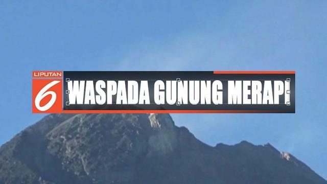 Gunung Merapi kembali muntahkan guguran awan panas dan lava pijar dengan jarak luncur hingga 950 meter.
