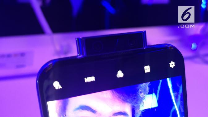 Kamera pop-up Vivo V17 Pro. (Liputan6.com/ Agustinus Mario Damar)