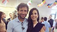 Paula Milla, doyan memberitakan Luis Milla, sang ayah saat menjalankan tugas sebagai pelatih Timnas Indonesia U-22. (Bola.com/Instagram)