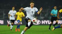 Striker baru Bayern Munchen asal Jerman, Jann-Fiete Arp. (AFP/Dibyangshu Sarkar)