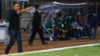 Pelatih PS Ngada, Kletus Marselinus Gabhe. (Bola.com/Gatot Susetyo)
