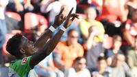 Wolfsburg bertekad mengamankan jasa Divock Origi dengan kontrak permanen pada bursa transfer Januari 2018. (AFP/Patrick Stolarz)