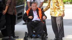 Dirut PT Wijaya Kusuma Emindao (WKE) Budi Suharto tiba di Gedung KPK, Jakarta, Senin (7/1). Budi diperiksa sebagai tersangka terkait dugaan suap sejumlah proyek pembangunan SPAM TA 2017-2018 di Kementerian PUPR. (Merdeka.com/Dwi Narwoko)