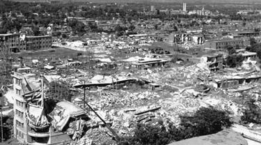 Gempa mengguncang Tangshan, Tiongkok pada 28 Juli 1976