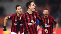 2. AC Milan - Klub asal Italia ini tercatat mengeluarkan dana sebesar 70 juta euro untuk mendatangkan 3 pemain. Diantaranya yakni Krzysztof Piatek, Lucas Paqueta, dan Mattia El Hilali. (AFP/Marco Bertorello)