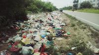 Dalam sehari, petugas menjaring 21 warga Pekanbaru yang kedapatan membuang sampah sembarangan atau tidak sesuai jadwal. (Liputan6.com/M Syukur)