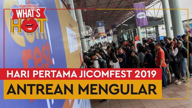 Antusiasme pengunjung pada perhelatan Jakarta International Comedy Festival atau JICOMFEST 2019 hari pertama. Festival komedi terbesar di Asia Tenggara ini digelar di JIExpo Kemayoran, Jakarta