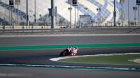 Pembalap Repsol Honda, Dani Pedrosa saat beraksi dalam tes pramusim MotoGP 2018 di Sirkuit Losail, Qatar. (Twitter/Repsol Honda)