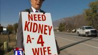 Pria tua ini rela berjalan puluhan kilo tiap hari untuk mencari donor ginjal bagi istrinya