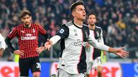 Striker Juventus, Paulo Dybala berselebrasi setelah mencetak gol ke gawang AC Milan pada pekan 12 Liga Italia 2019-2020 di Allianz Stadium, Minggu (10/11/2019).  Juventus sukses memetik poin penuh usai menang 1-0 atas tamunya, AC Milan berkat gol tunggal Dybala. (Alessandro Di Marco/ ANSA via AP)