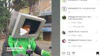 Pengemudi Ojek Online Ini Berkendar Pakai Helm dari TV Bekas (@dramaojol.id)