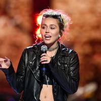 Miley Cyrus tak terima kemenangan Donald Trump. (AFP/Bintang.com)