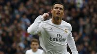 Penyerang Real Madrid, Cristiano Ronaldo rayakan gol (Reuters)