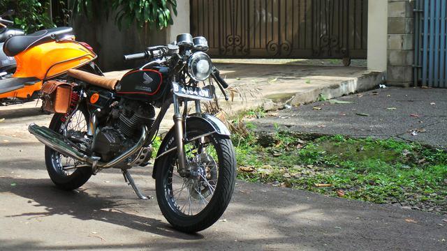 Modifikasi Honda Gl100 Bergaya Cafe Racer Nyaman Buat Boncengan