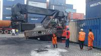 Crane terbakar di Tanjung Priok Jakarta Utara