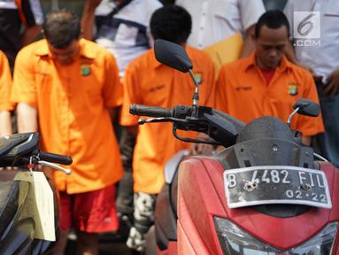 Barang bukti kasus pencurian dengan pemberatan dihadirkan dalam rilis di Polda Metro Jaya, Jakarta, Selasa (23/7/2019). Subdit 6 Ranmor Dit Reskrimum Polda Metro Jaya berhasil mengungkap kasus pencurian dengan pemberatan. (Liputan6.com/Immanuel Antonius)