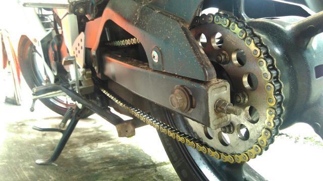 Hasil gambar untuk rantai motor  terkena air hujan