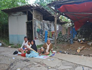 Pengungsi Banjir Desa Sumber Urip di Bekasi Memprihatinkan