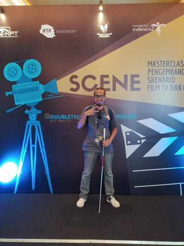 Abdul Majid, penyandang tunanetra belajar bikin skenario film. Foto: Abdul Majid.