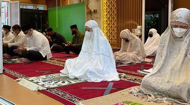 Ketua DPR RI Puan Maharani Melaksanakan Salat Idul Fitri.
