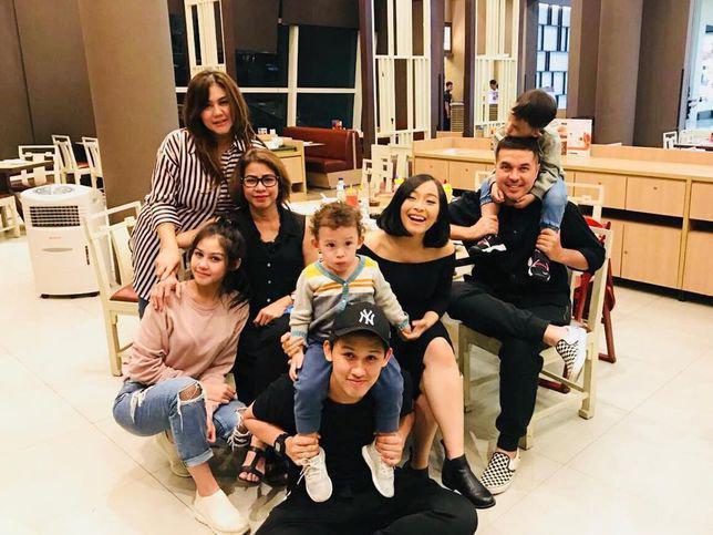 Keluarga besar Vanesha Prescilla, didominasi selebriti Indonesia./Copyright instagram.com/idahannas