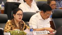Menko PMK, Puan Maharani saat mengikuti rapat pembahasan Rencana Kerja Anggaran (RKA) dalam RAPBN-P 2019 di Badan Anggaran (Banggar) DPR RI.
