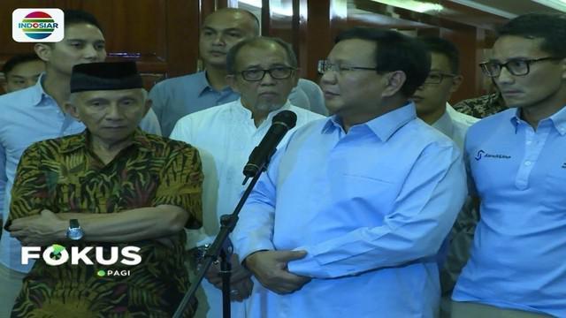 Prabowo Subianto coret nama Ratna Sarumpaet dari daftar tim pemenangannya di Pilpres 2019, lantaran hoaks soal penganiayaan yang menghebohkan beberapa hari terakhir.