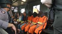 Foto-foto saat rekonstruksi di lokasi kejadian perkara kasus pembunuhan dua remaja di Sukabumi. (Liputan6.com/Mulvi Mohammad)