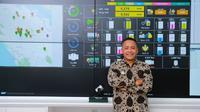 CEO PTPN V Jatmiko Santosa di ruang kontrol kinerja perusahaan. (Liputan6.com/M Syukur)
