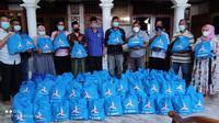 Fraksi Partai Demokrat di DPRD Provinsi Jawa Timur (Jatim) menggalakkan program Demokrat Peduli dengan menyalurkan bantuan paket sembako di seluruh wilayah Jatim.