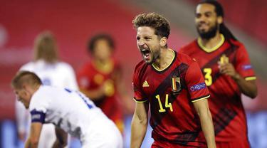 Pemain Belgia, Dries Mertens, melakukan selebrasi usai mencetak gol ke gawang Islandia pada laga UEFA Nations League di Stadion King Baudouin, Rabu (9/9/2020). Belgia menang telak dengan skor 5-1. (AP/Francisco Seco)