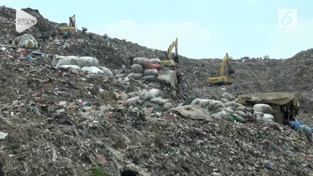 Kisruh pengolahan sampah DKI Jakarta hingga saat ini belum juga berakhir. Walikota Bekasi, Rahmat Effendi, Minggu Petang, mendatangi lokasi pengolahan air sampah, di TPST Bantar Gebang, Bekasi.