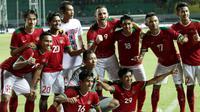 Para pemain Indonesia merayakan kemenangan atas Guyana pada laga persahabatan di Stadion Patriot, Bekasi, Sabtu (25/11/2017). Indonesia menang 2-1 atas Guyana. (Bola.com/M Iqbal Ichsan)