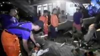 Pohon tumbang di Balai Kota Bogor menimpa belasan sepeda motor. Sementara itu, diduga berlaku cabul, 2 polantas Polres Kota Batu ditangkap.